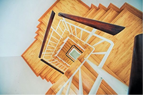 5 ways to make stairs safer for the elderly